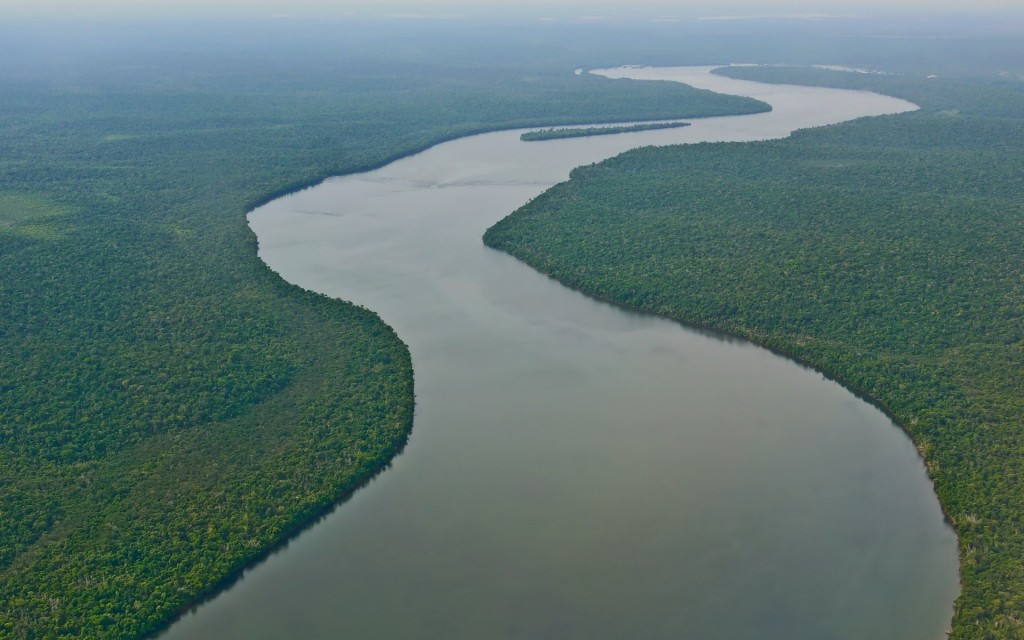 ws_Amazon_River_South_America_1920x1200