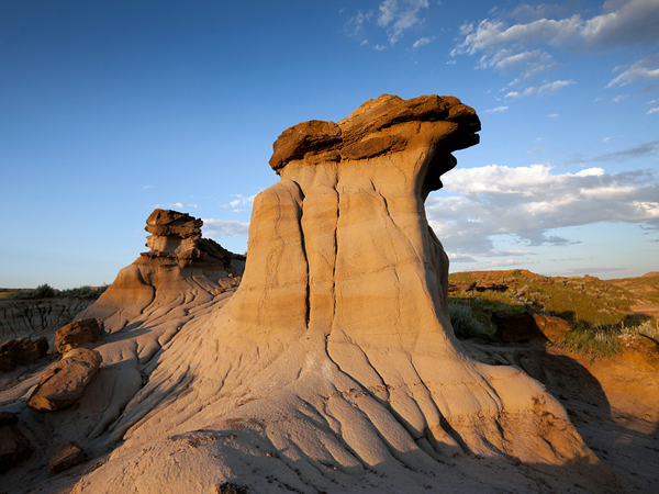 CFD582 Hoodoos in the Badlands of Dinosaur Provincial Park, Alberta, Canada